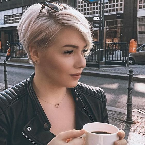 pixie haircut for women 40 round face
