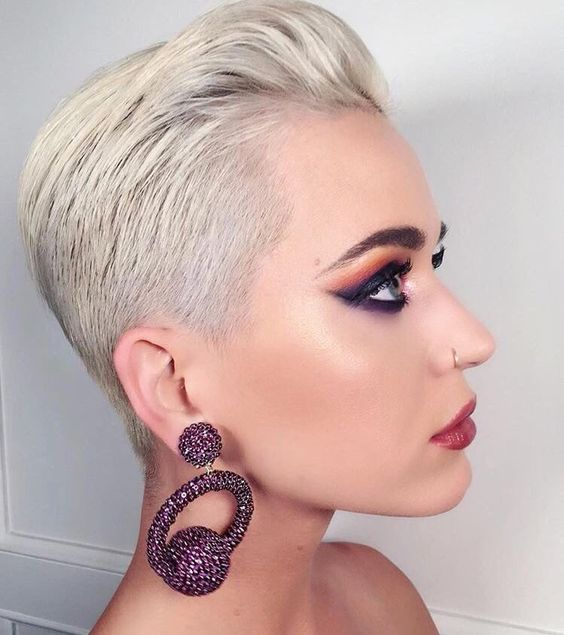 Pixie haircuts in celebrities