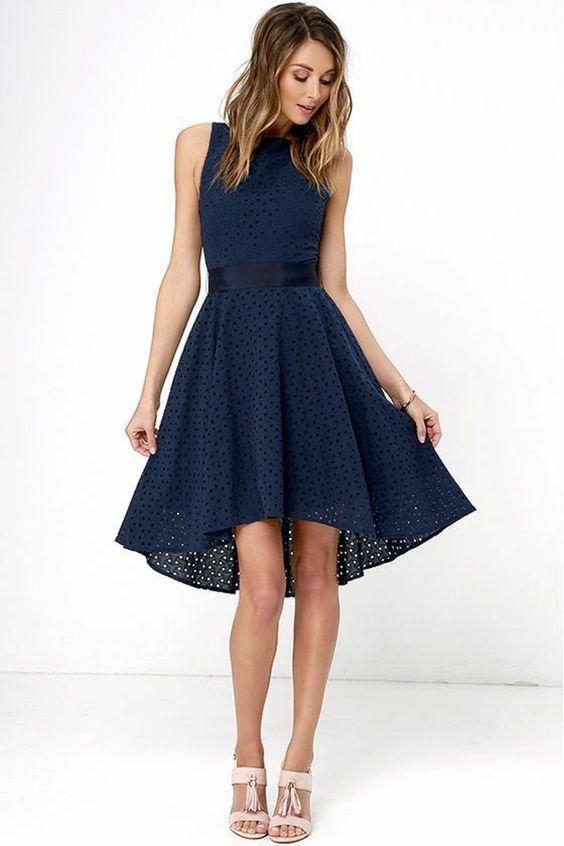 Dresses that highlight the waist
