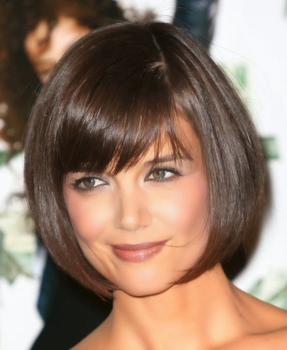 haircut for women with round faces