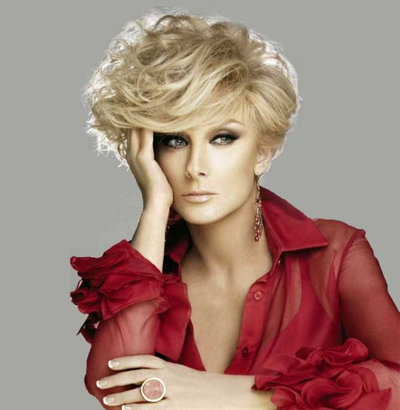 Pixie Short Hair Stylish Mature Women (3)