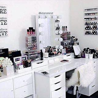 Furniture makeup organizers