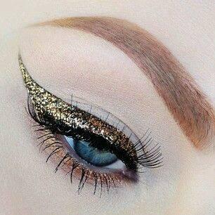 Eyeliner with glitter