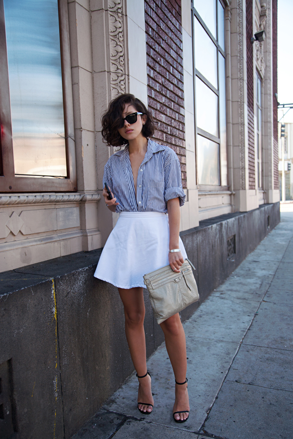 How to combine white skirts