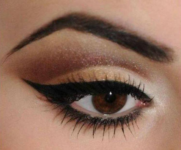 Hebrew eyeliner