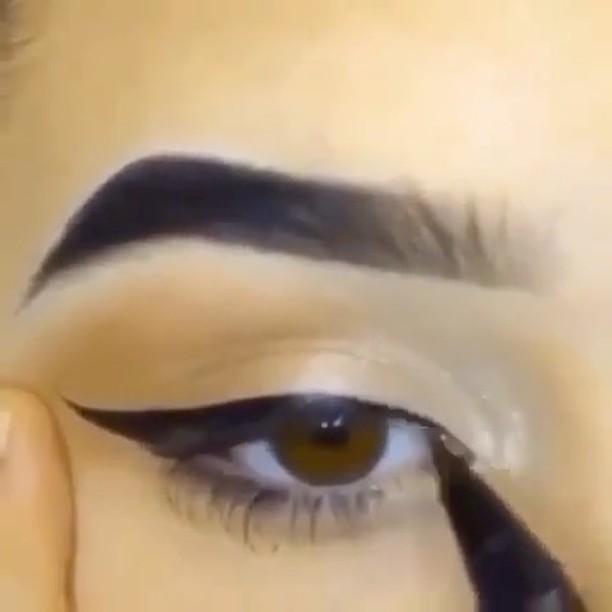 How to make eyeliner?