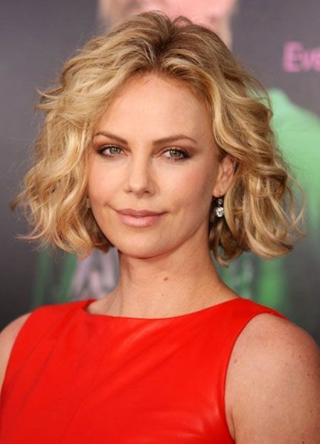 short manes in wavy hair for women 40 and over