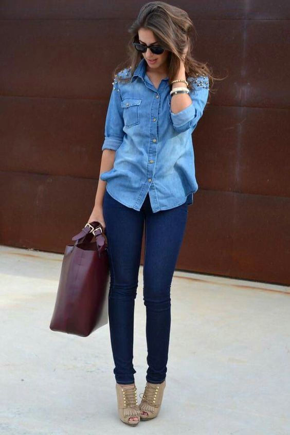 Outfits for 30-year-old women with denim blouse