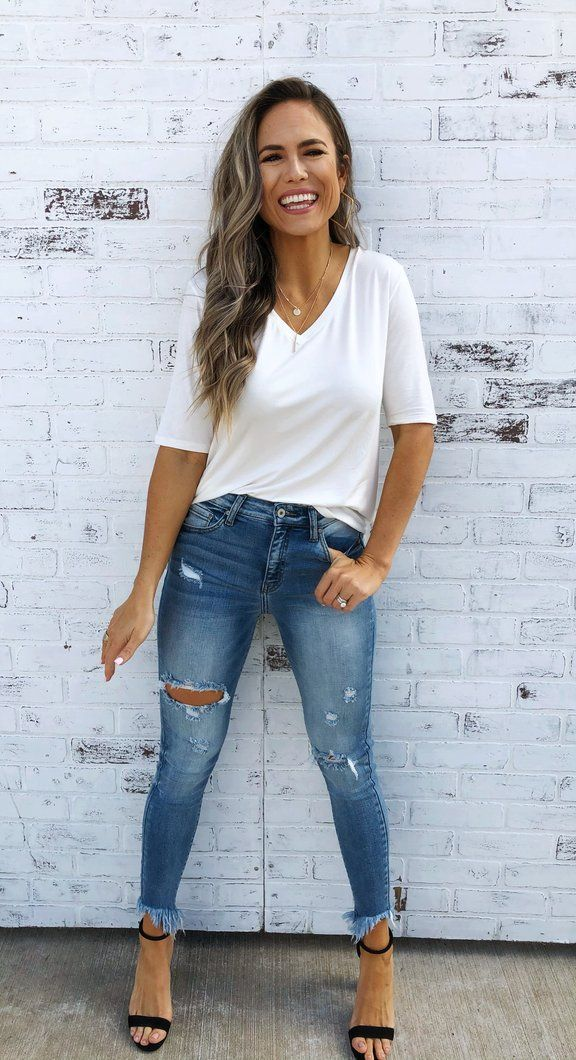 Casual outfits for women 30 and over daily: Denim jeans