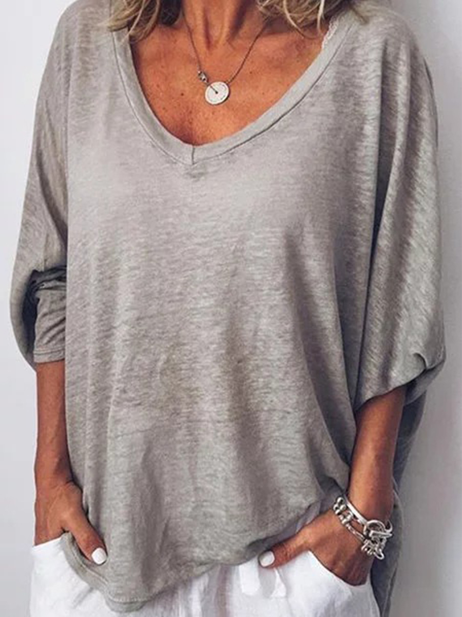 Casual outfits for the daily newspaper women of 30 years or more: Basic cotton t-shirt