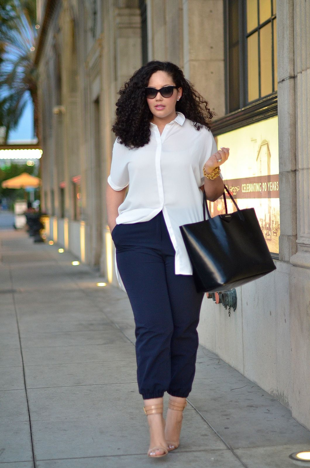 Outfits for curvy girls wearing an executive style