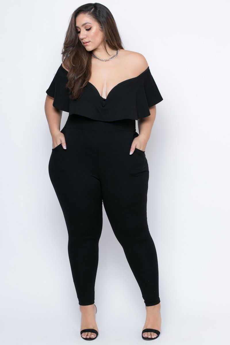 Outfits for curvy girls wearing jumpsuits or jumpsuits