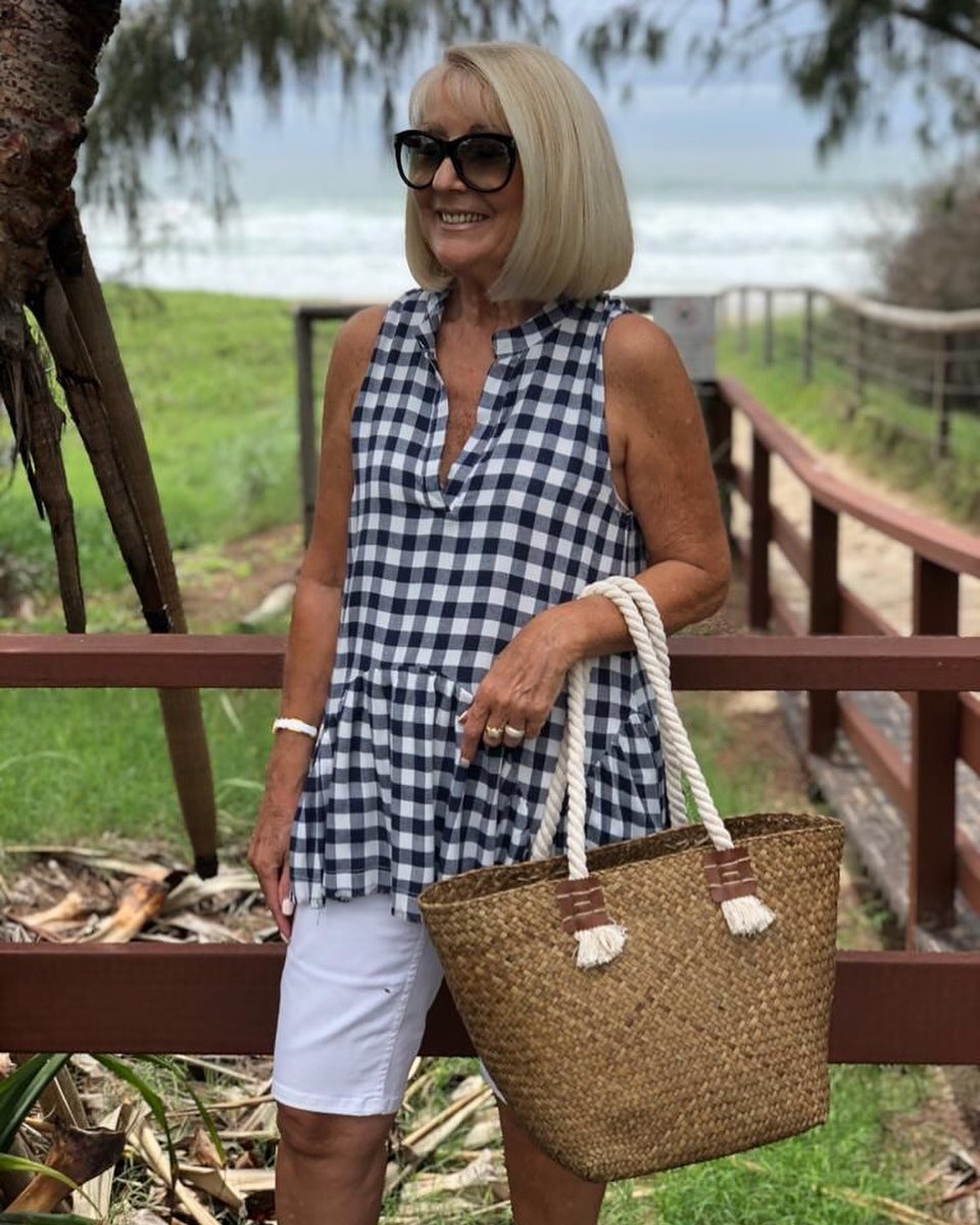 Casual beach outfits for older women
