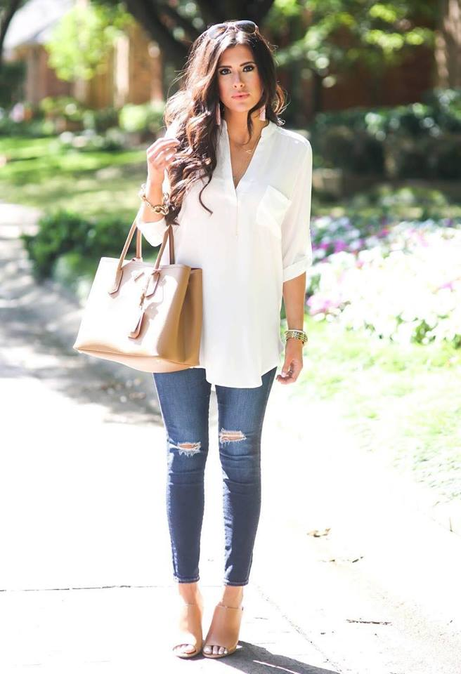 Look with maxi blouse and ripped jeans