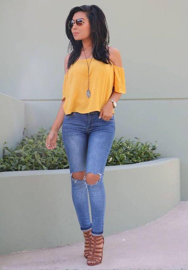 How to wear an off shoulder top and ripped jeans
