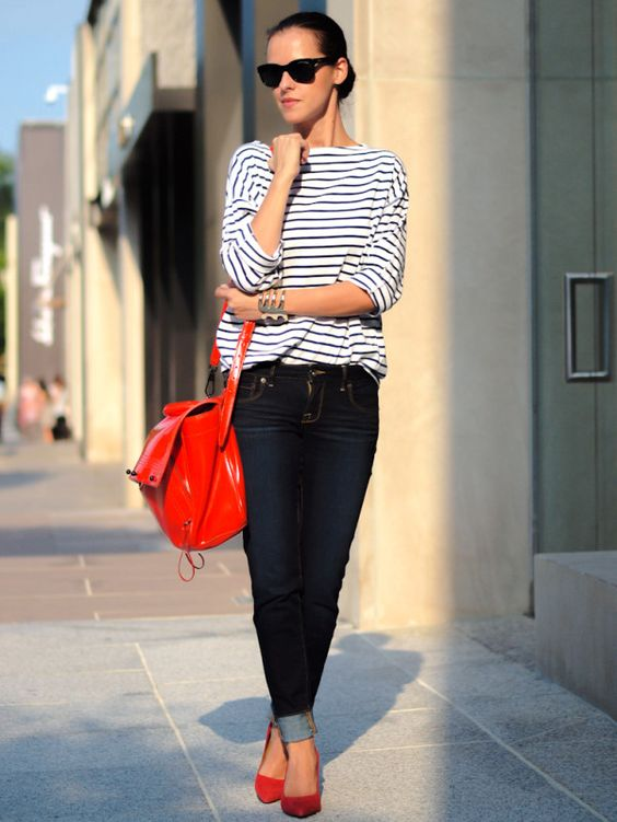 How to wear a comfortable but stylish striped blouse if you are a woman of 40 years or more