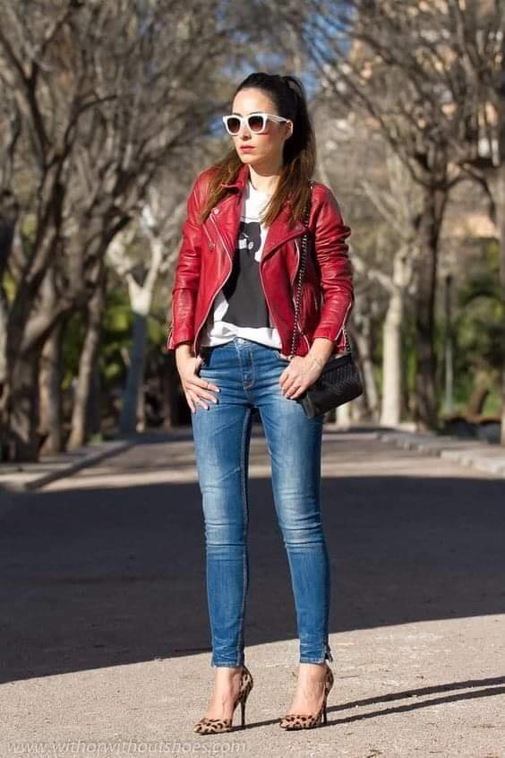 Casual outfit with jeans and red jacket