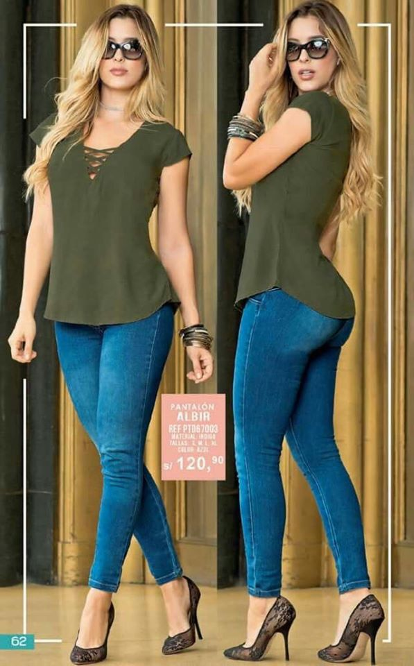 Casual blouse in military green