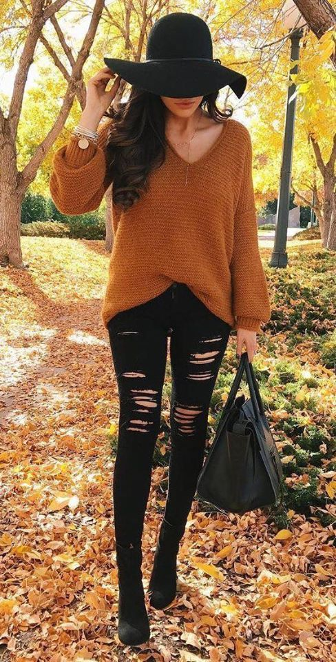 Combination of black jeans with color for fall
