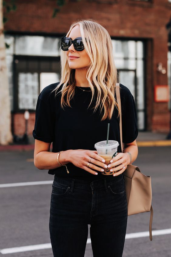 Outfits with black t-shirt