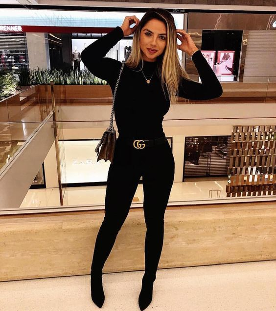 Outfits with monochrome black jeans