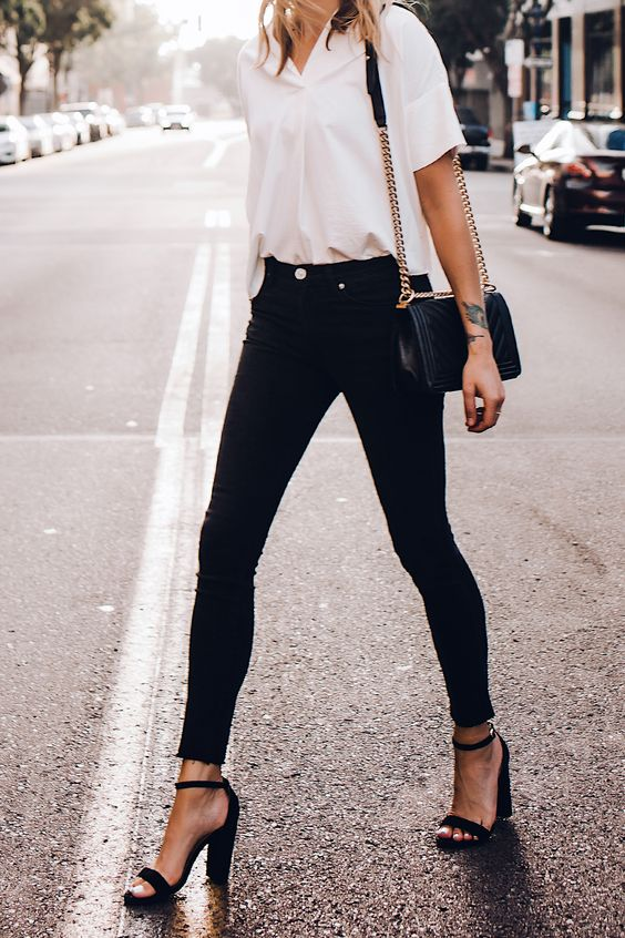 Outfits for mature women with black jeans
