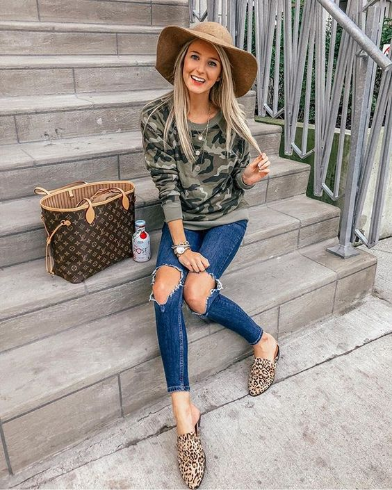 Looks with military print sweater