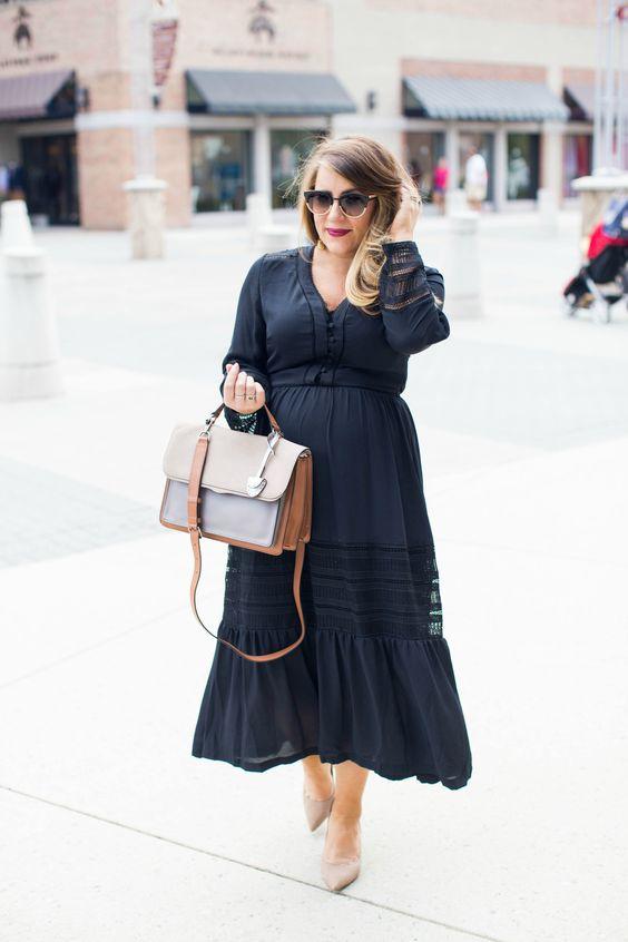 Elegant dresses in black for curvy girls