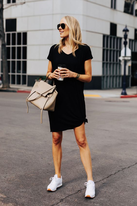 Comfortable and sophisticated looks with a dress