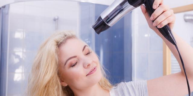 Vertigine capelli, che cos'è e 5 modi per eliminarla