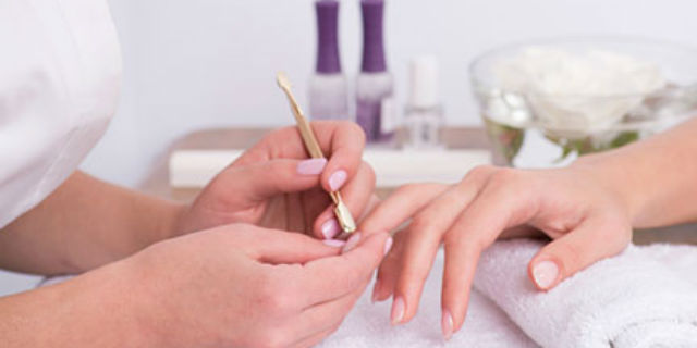 Gel nails reconstruction with tip