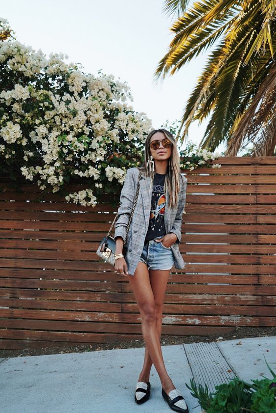 Looks with shorts with a lot of personality