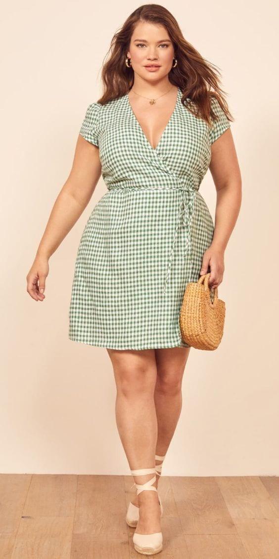Spring - summer dresses for curvy women