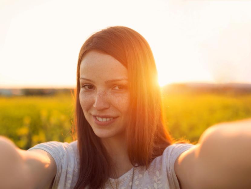 selfie of girl in the sun