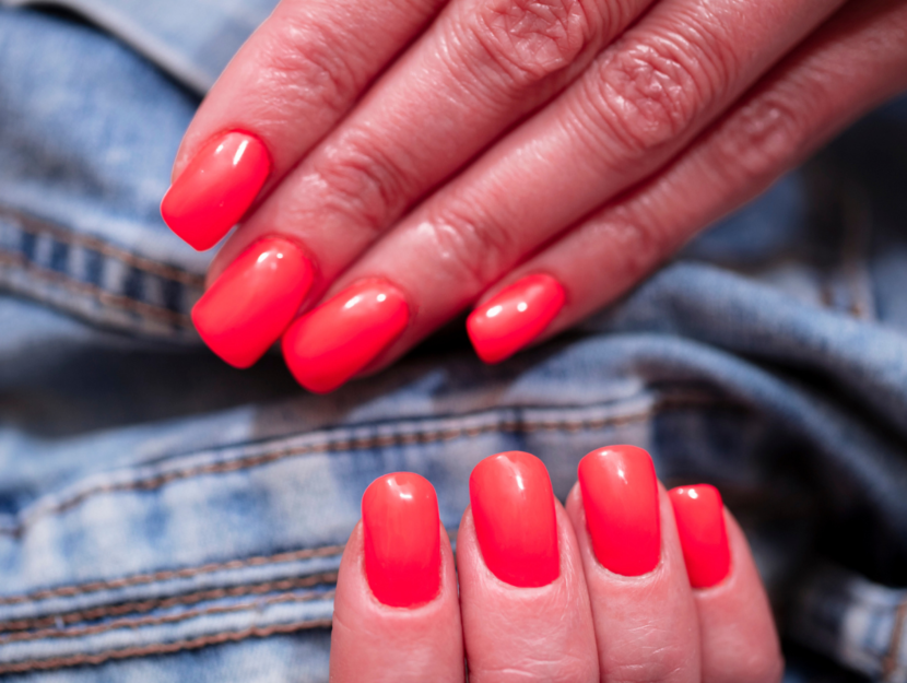 nail art red fluo