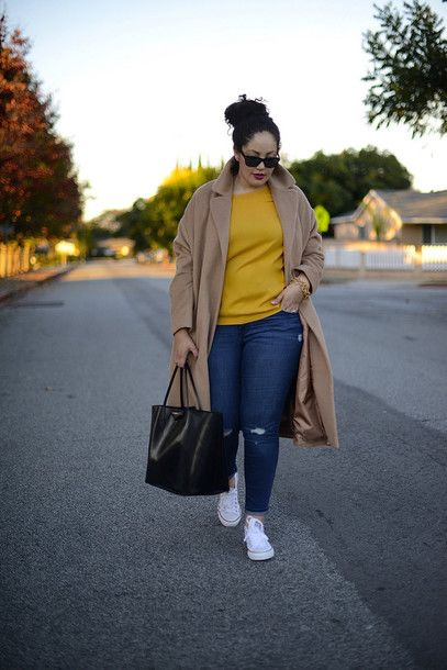 Outfits with jeans and tennis for plus size women