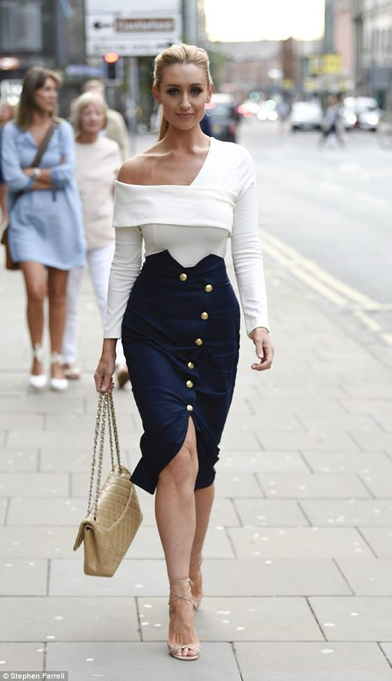 Clothing tricks to look slimmer