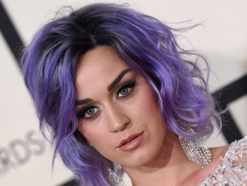 Katy Perry is bright winter and makes her jeweled eyes even more magnetic with a line of
