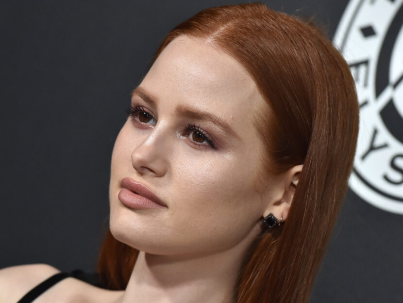 Madelaine Petsch is warm autumn and enhances her eyes with a soft earthenware eyeshadow