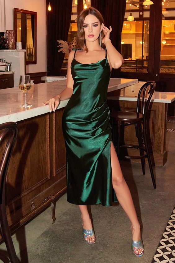 Outfits with satin garments the best for this season