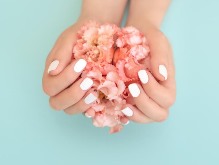 optical white nail art