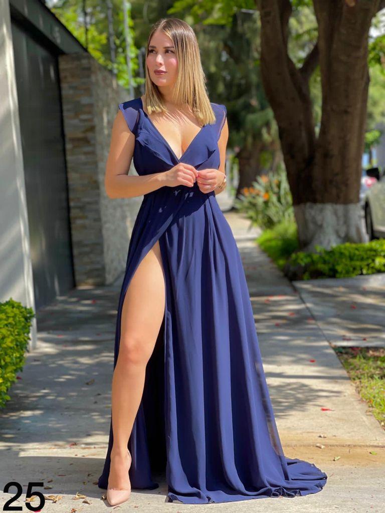 Fashionable long dresses 2021