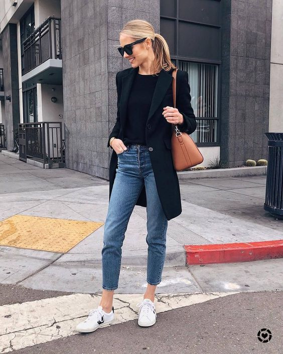 Avoid wearing skinny jeans that are too tight