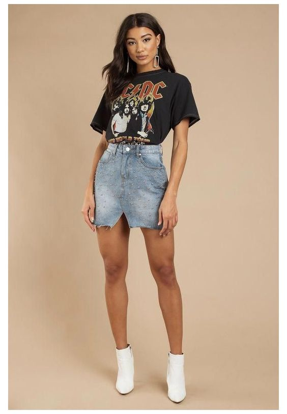 Looks with watered down shirt and denim skirt