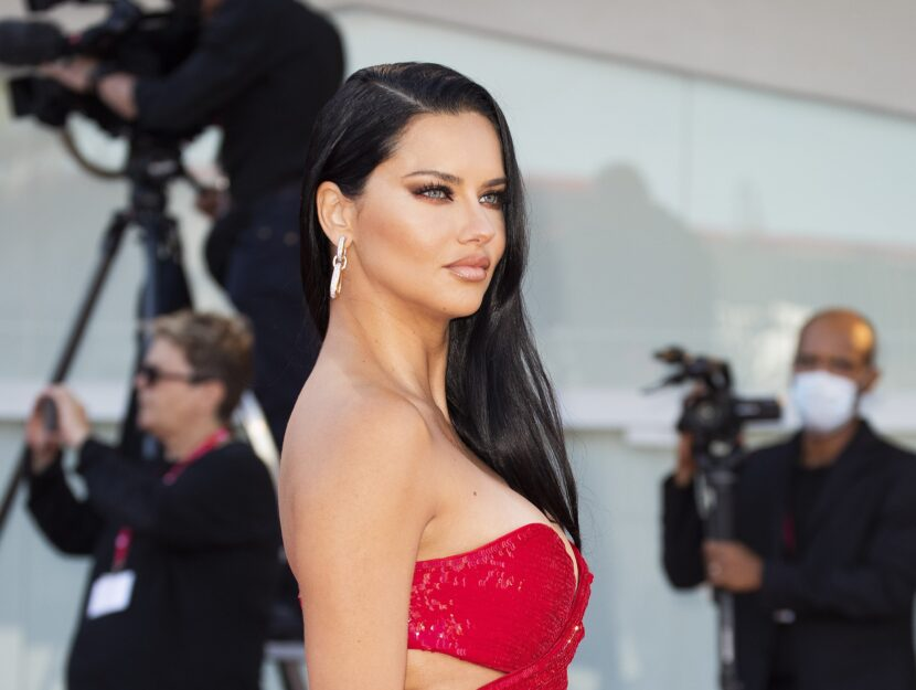 Adriana Lima belongs to the rare and beautiful bright spring palette