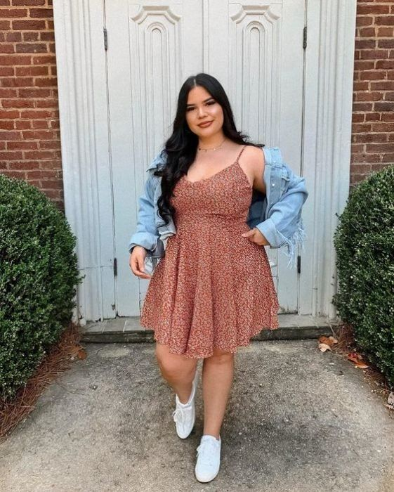 Comfortable and fresh casual outfits to show off your curves