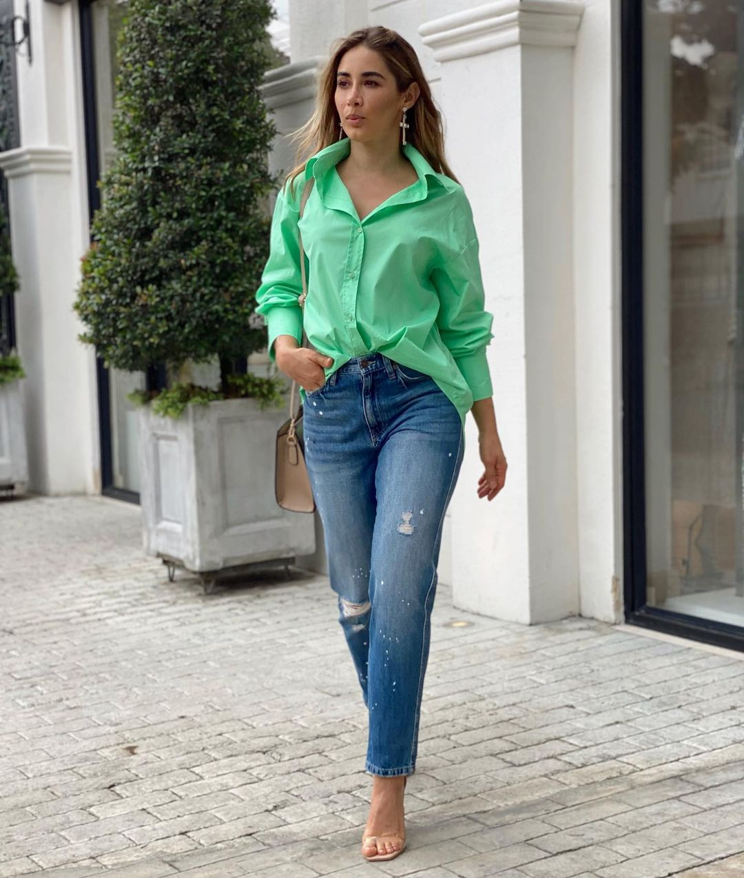 Outfits that you can put together with oversize shirts