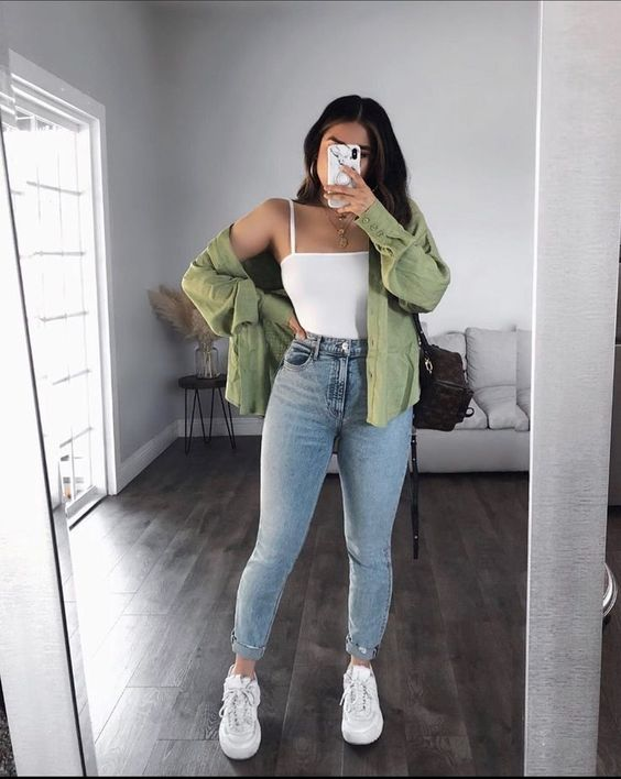 Outfit options with oversize shirt and jeans
