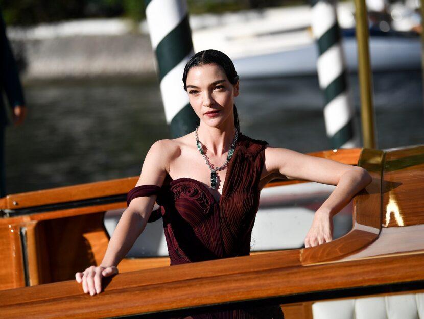 Mariacarla Boscono, beautiful and charming winter woman